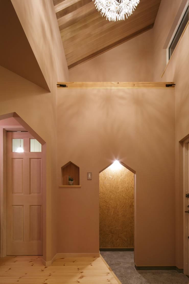 U's HOUSE: dwarfが手掛けた廊下 & 玄関です。