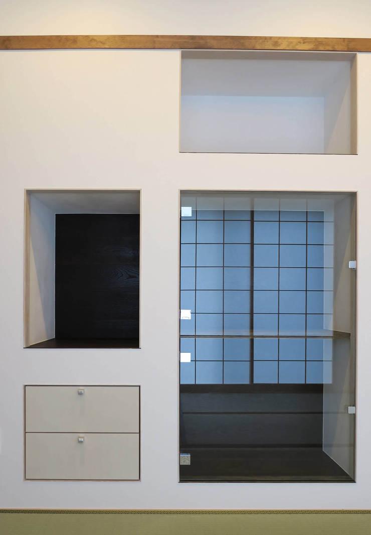 美しが丘西の家: (有)伊藤道代建築設計事務所が手掛けた和室です。