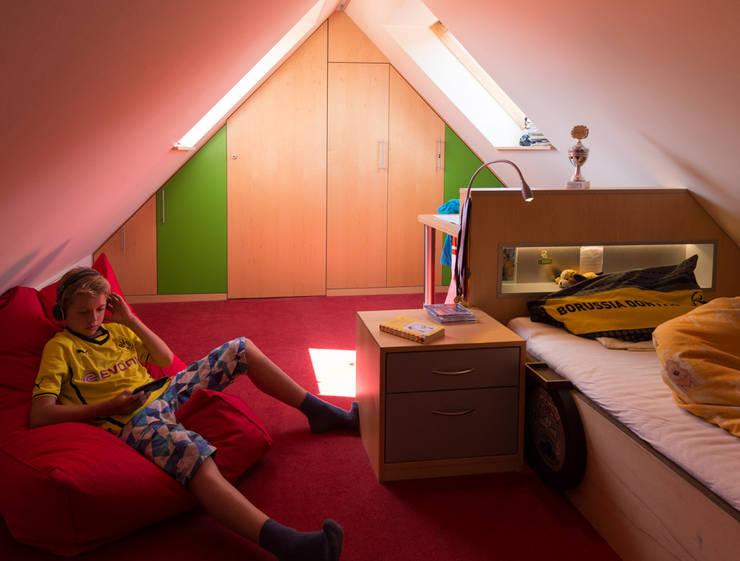 gem tliche schlafnischen unter dachschr gen. Black Bedroom Furniture Sets. Home Design Ideas