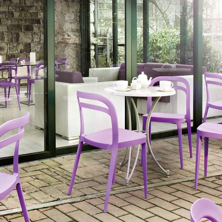 Jardin de style de style Méditerranéen par Contract Bardini Collection