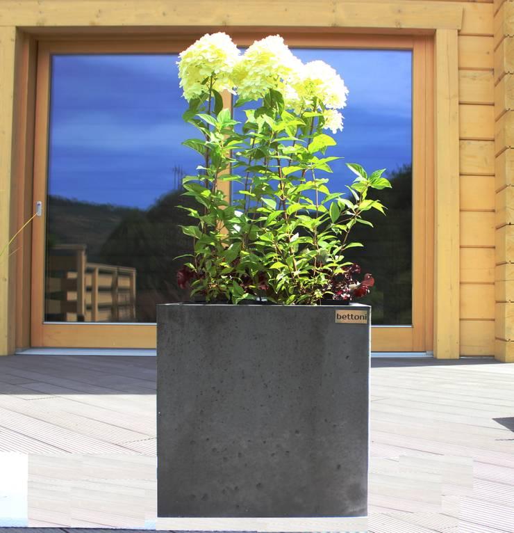 Donica betonowa: styl , w kategorii Ogród zaprojektowany przez Bettoni,Nowoczesny
