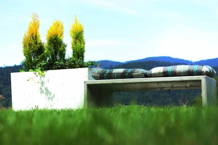 Odpoczynek na takiej ławce, to sama przyjemność!: styl , w kategorii Ogród zaprojektowany przez Bettoni,Nowoczesny