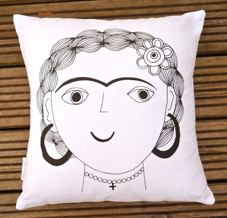 Cushions: eclectic  by Jane Foster, Eclectic