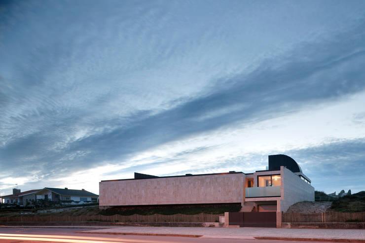 Casa das Dunas: Casas modernas por arquitectura e design