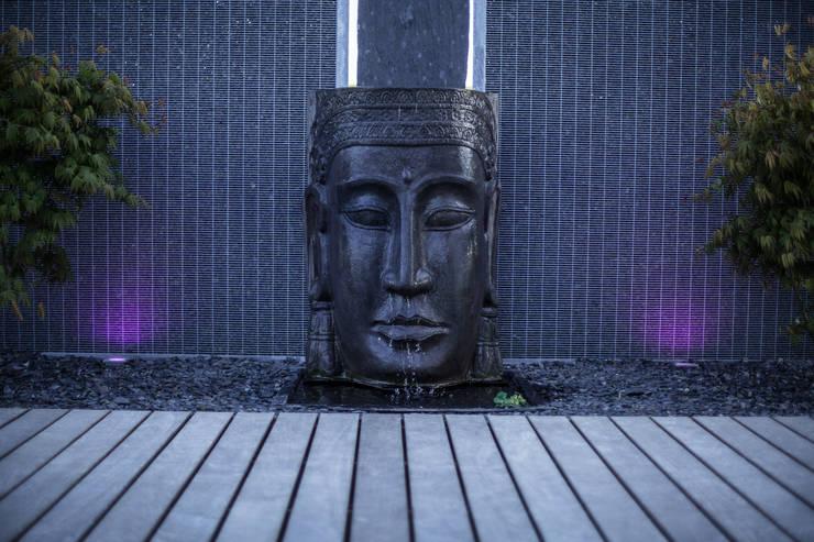 Jardin Zen: Couloir, entrée, escaliers de style de style Moderne par Art Bor Concept
