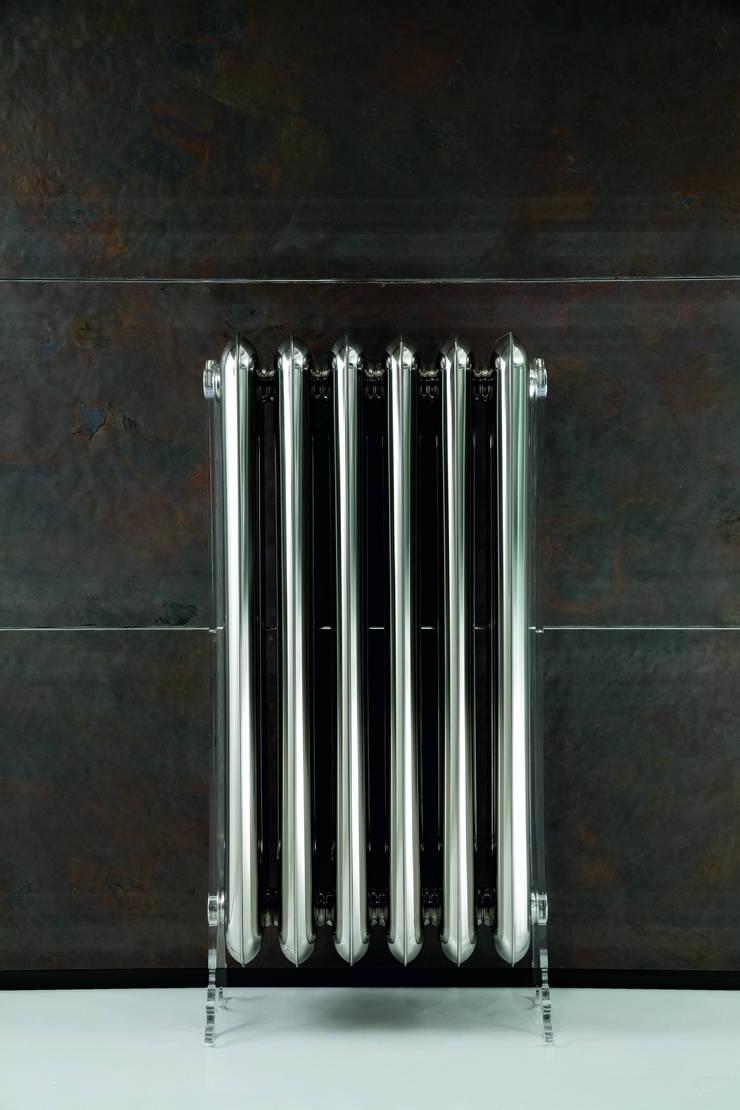 VD 0141: Couloir, entrée, escaliers de style de style eclectique par Varela  Design