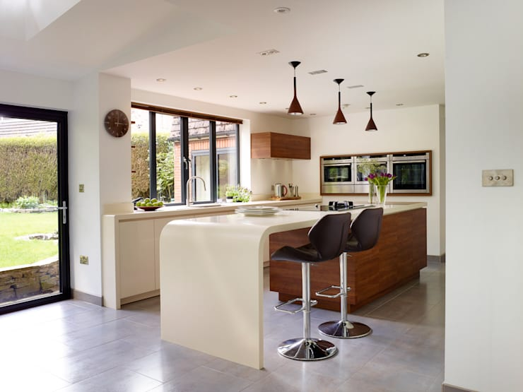 SARAH & BEN'S KITCHEN:   by Diane Berry Kitchens