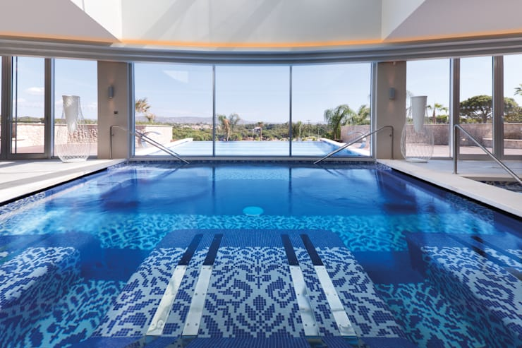 Spa Pool:  Houses by Rethink Interiors Ltd