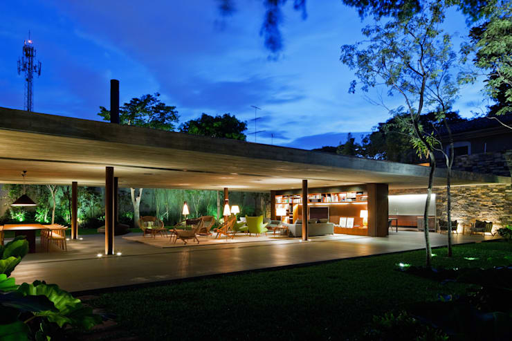 Casas de estilo moderno por Studio MK27