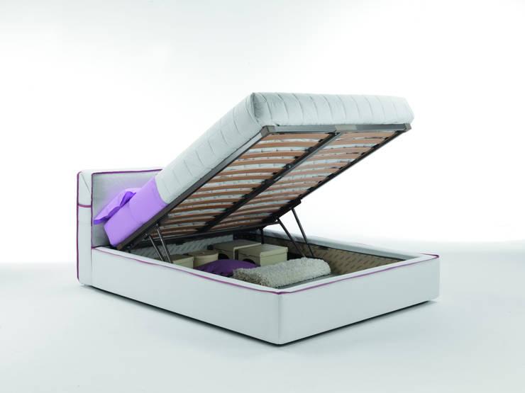 Bed Guadalupe: Camera da letto in stile  di Milano Bedding