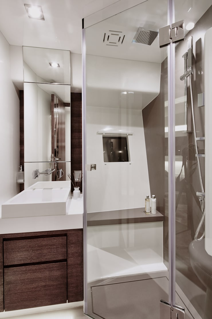 Bathroom 2:  Yachts & jets by Kelly Hoppen
