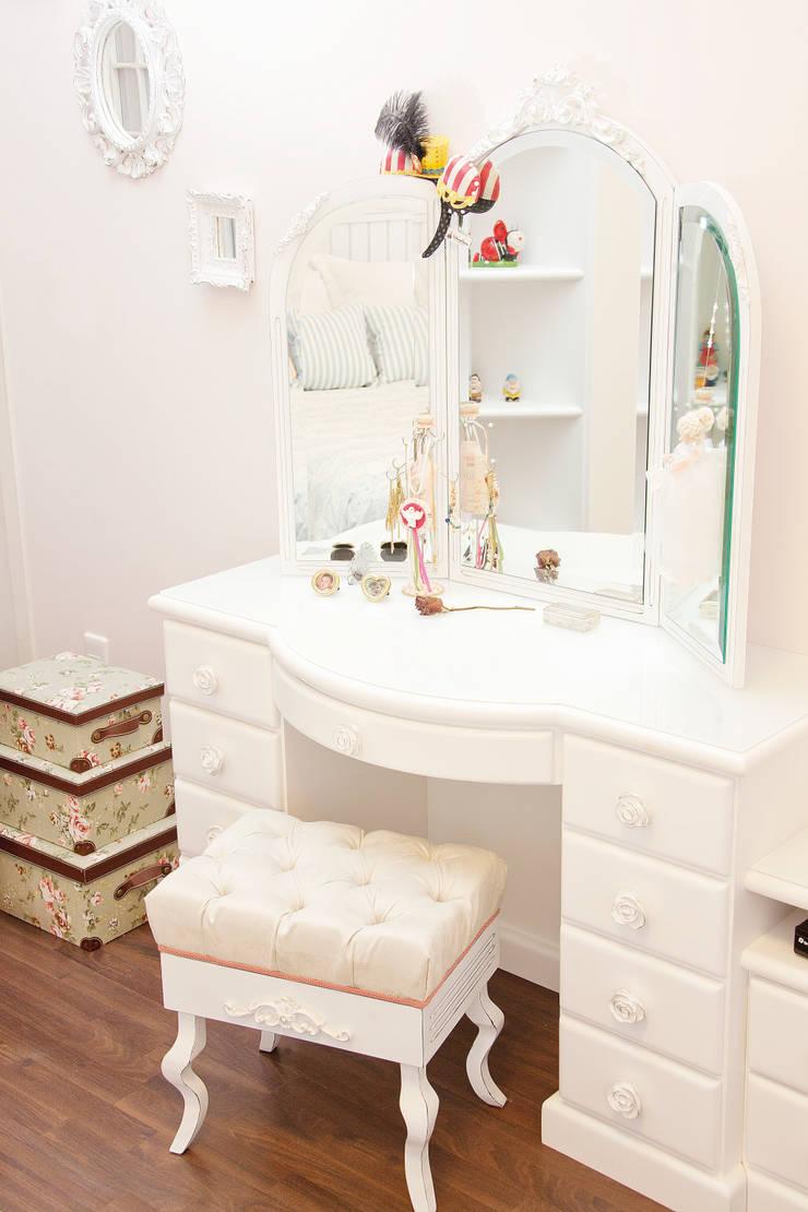 Dormitório Menina Jovem: Quartos  por RS Design Studio