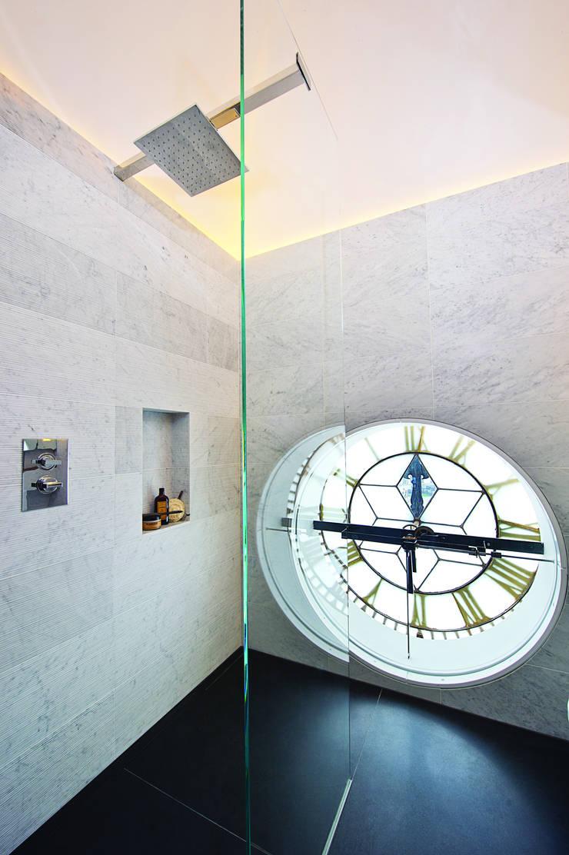 Trafalgar One, Canadian Pacific Building, London:  Bathroom by moreno:masey