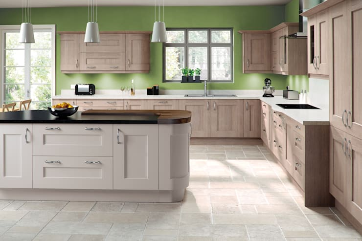 Shelby Mussel and Cinnamon Painted Shaker Kitchen:  Kitchen by Sigma 3 Kitchens