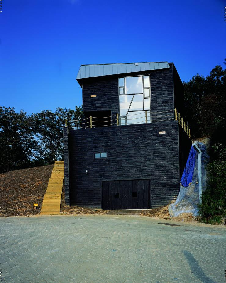 블랙하우스: 국민대학교의  주택