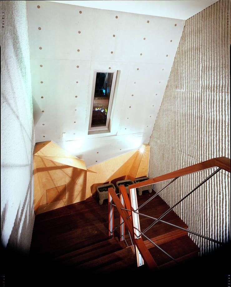 송헤이븐: 국민대학교의  복도 & 현관