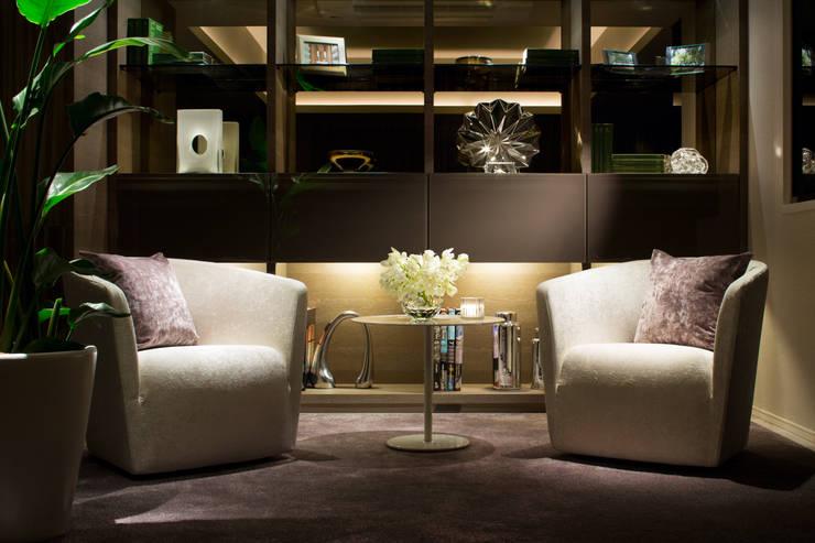 Living room: WORKTECHT CORPORATIONが手掛けた商業空間です。
