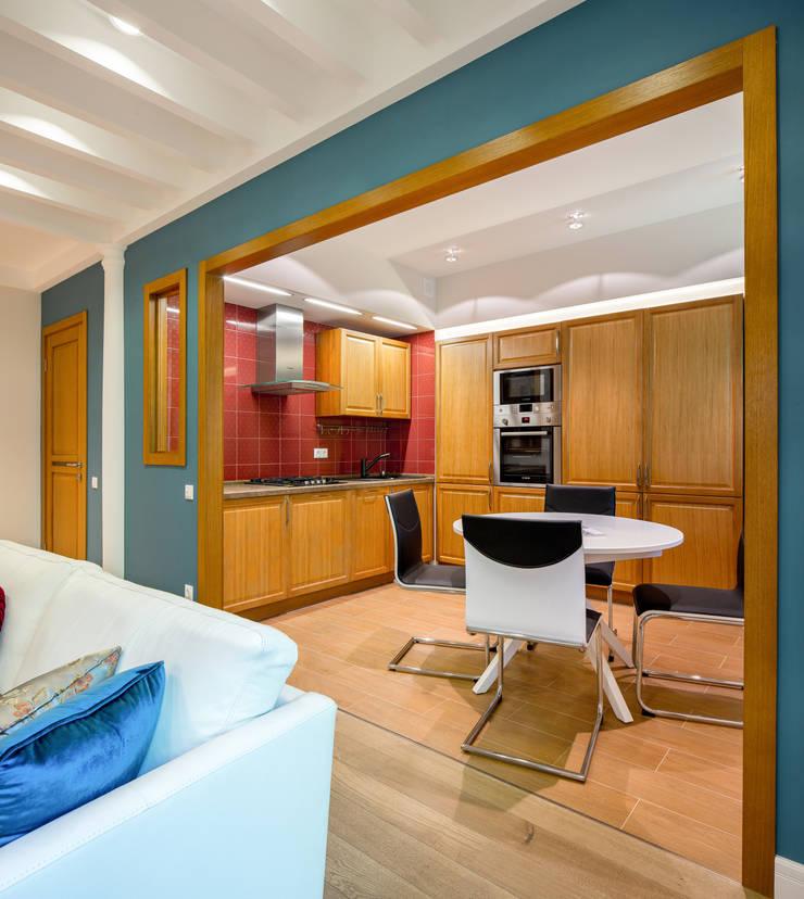 Апартаменты на Бирюзова: Кухни в . Автор – Дизайн-студия 'Вердиз'