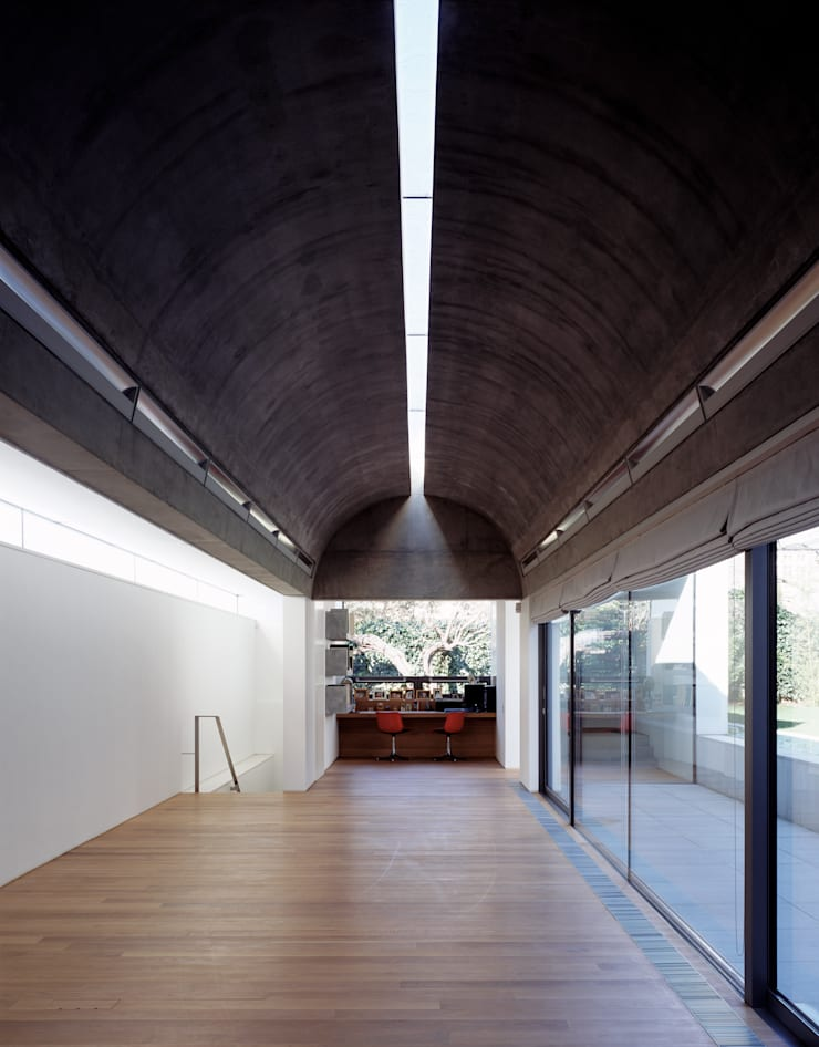 The Long House:  Study/office by Keith Williams Architects, Minimalist