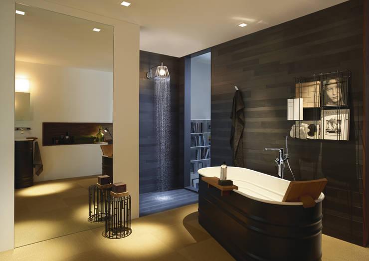 Axor - Showerlamp: Salle de bain de style de style Moderne par Espace Aubade
