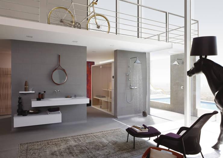 Axor - Showerproducts: Salle de bain de style  par Espace Aubade