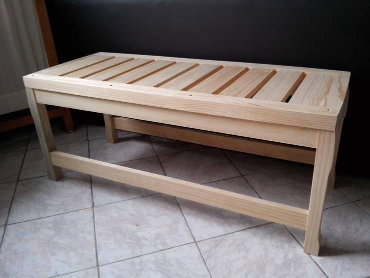 banca de madera : Jardín de estilo  por Almita Carpinteiro