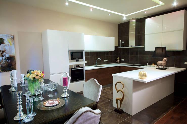 Квартира на Крупской : Кухни в . Автор – Дизайн-студия «ARTof3L»,