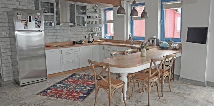 Cocinas de estilo  por Bilgece Tasarım