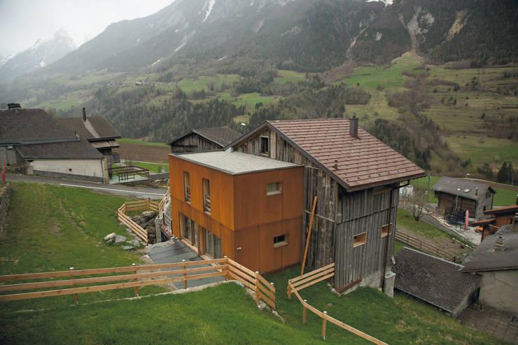 Projet terminé:  de style  par Atelier d'architecture Lorianne Maret