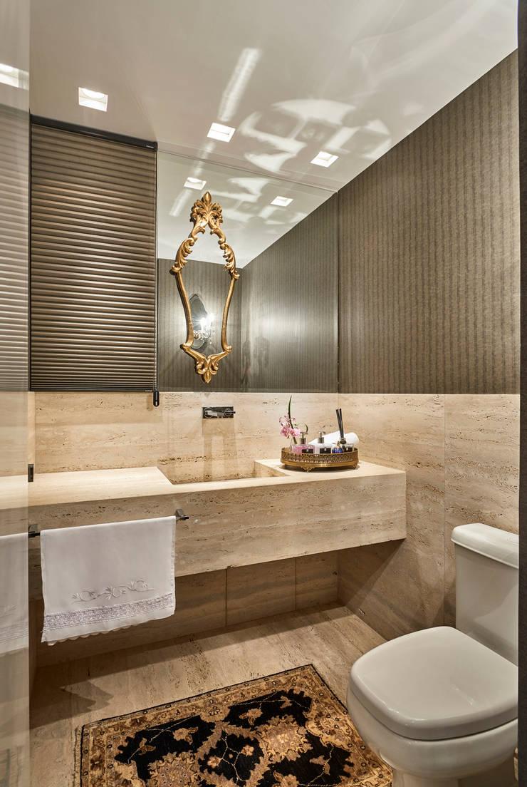 Apartamento LJ: Banheiros  por Gláucia Britto,Moderno