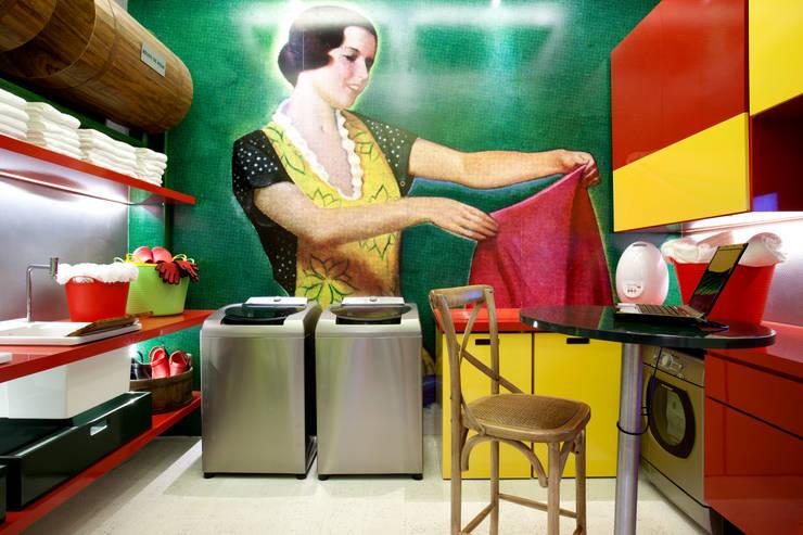 Casa Cor 2011 : Espaços comerciais  por CARMELLO ARQUITETURA