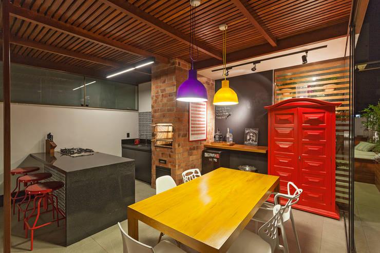 Terraços  por Amis Arquitetura & Design