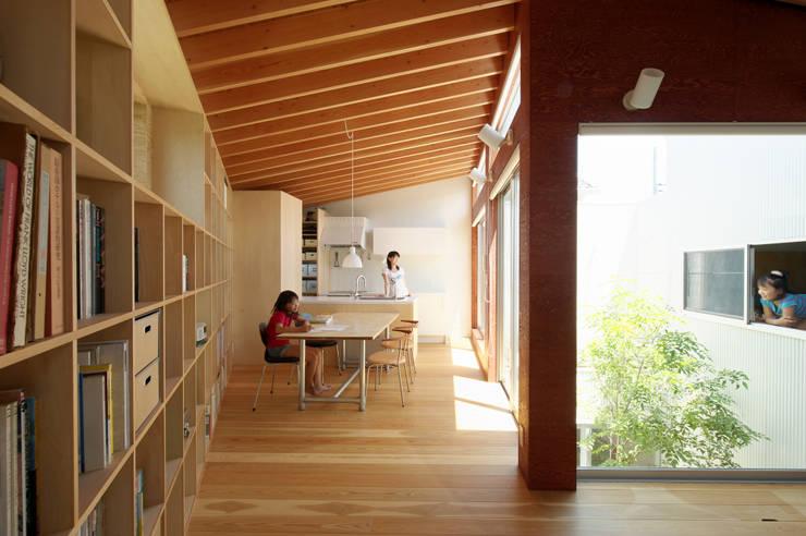 Dining room by 萩原健治建築研究所, Minimalist