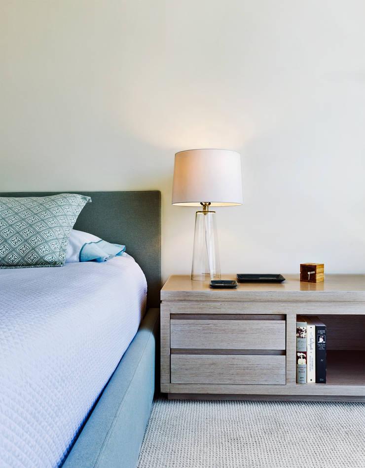 Bedroom by Weber Arquitectos,
