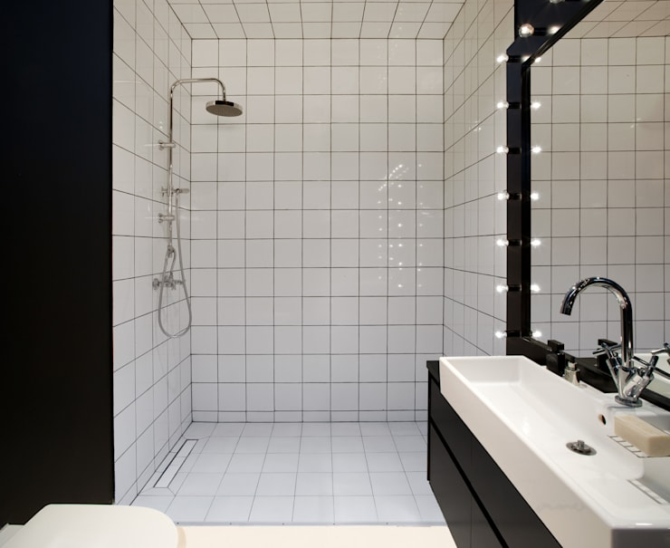 Scandinavian style bathrooms by Sic! Zuzanna Dziurawiec Scandinavian
