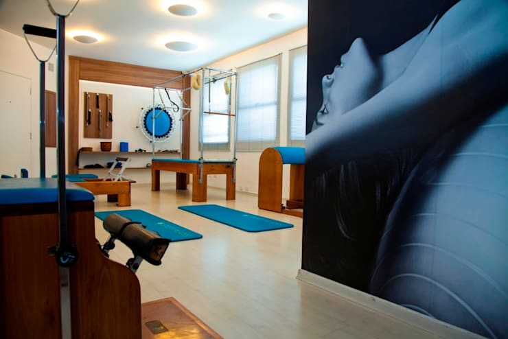Estudio de Pilates: Espaços comerciais  por Marcia Debski Ferreira Designer de Interiores