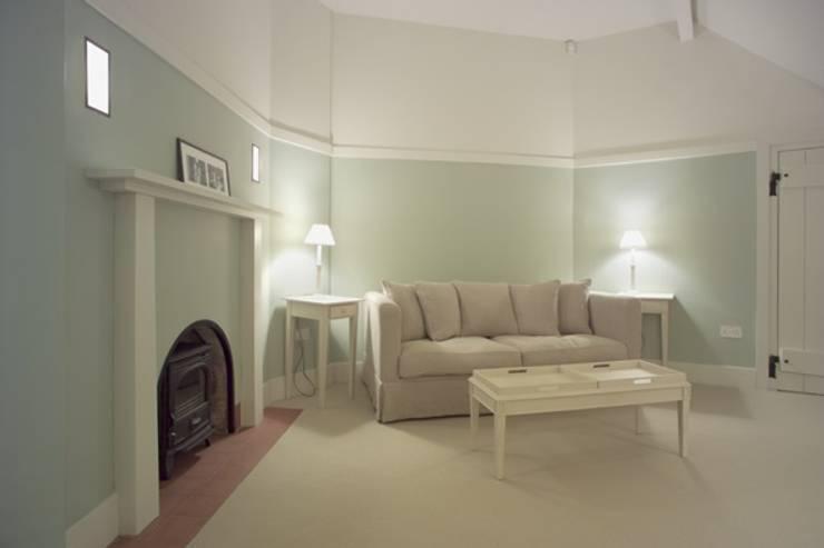 Phòng khách by john bullock lighting design