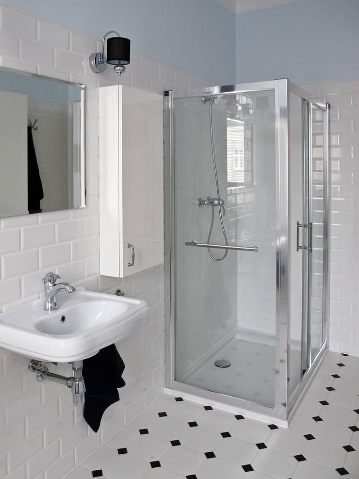 Apartament – Sopot: styl , w kategorii Łazienka zaprojektowany przez t