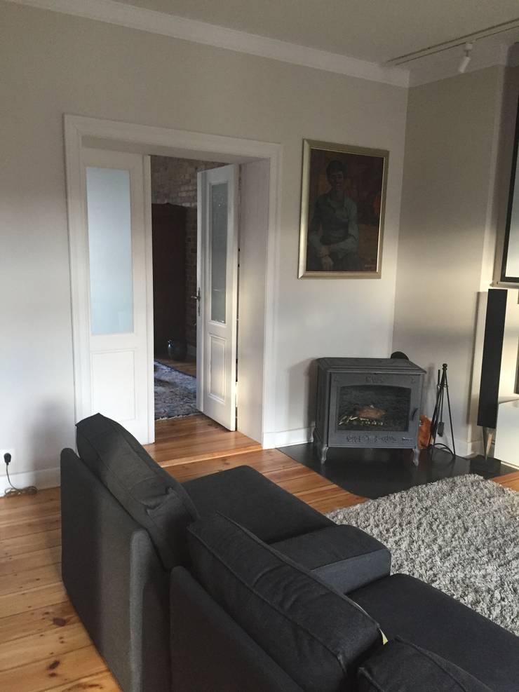 Apartament – Sopot: styl , w kategorii Salon zaprojektowany przez t