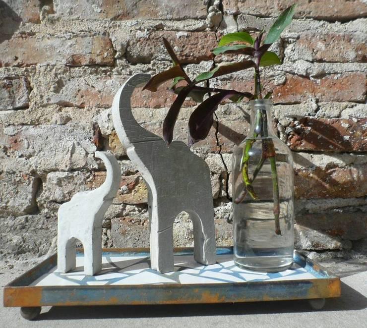 Objetos de decoración varios: Jardines de estilo moderno por Casa Duplo