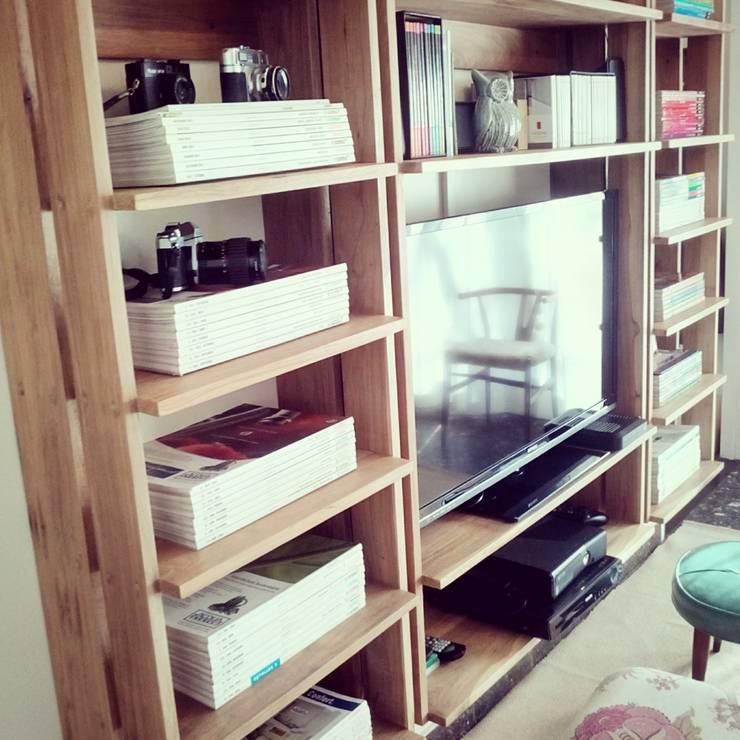 Rumah oleh PLUMA · muebles y proyectos ·, Skandinavia Parket Multicolored