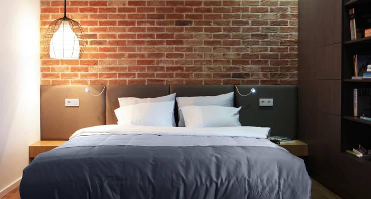 Однушка: Спальни в . Автор – Lugerin Architects, Скандинавский Кирпичи