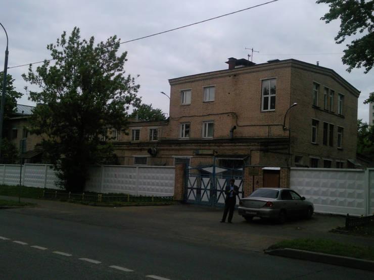 Реконструкция и перепрофилирование промышленного здания 2011-2014:  в . Автор – CHM architect