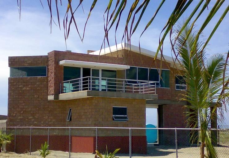 casa YGH: Casas de estilo  por Hussein Garzon arquitectura