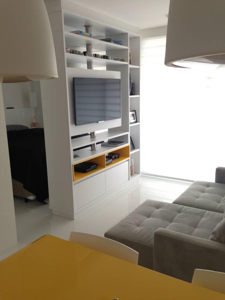 Studio: Salas de estar  por  Adriana Fiali e Rose Corsini - FICODesign ,Moderno