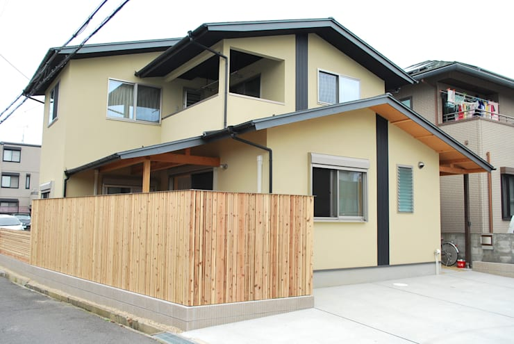 Houses by 西川真悟建築設計, Modern