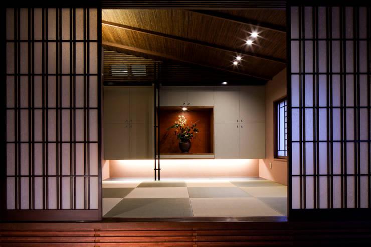 北広島町の家: 伊藤瞬建築設計事務所が手掛けた壁です。