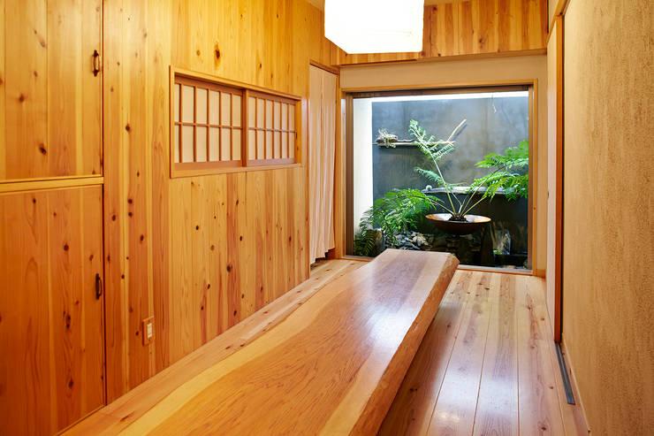 東平の家: 伊藤瞬建築設計事務所が手掛けたダイニングです。,オリジナル