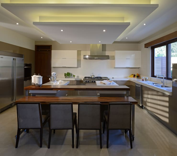 Cocina casa GL: Cocinas de estilo  por VICTORIA PLASENCIA INTERIORISMO