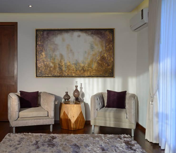 Recibidor Recamara Principal Casa GL: Recámaras de estilo  por VICTORIA PLASENCIA INTERIORISMO
